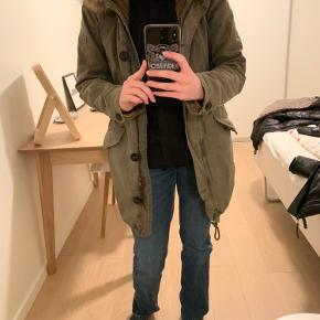 Blonde No.8 frakke