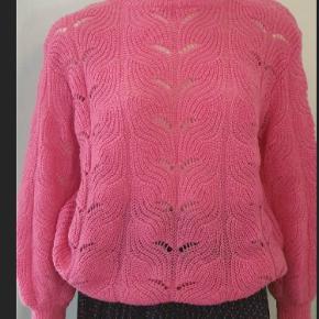 Saint Tropez pink trøje str.S men stor i størrelsen passer str.38