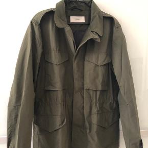 CLOSED jakke