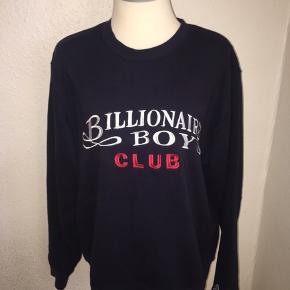 Mørkeblå sweatshirt Crew neck fra billionaire boys club - størrelse large.