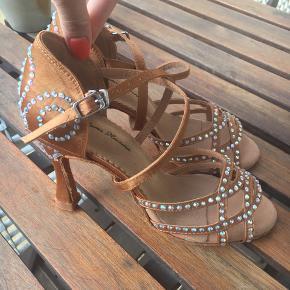 Salsa shoes from mamahavana.com  Size 36.