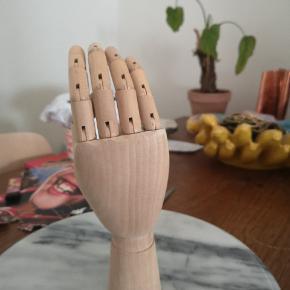 Stor træhånd Jeg mener at den er fra HAY