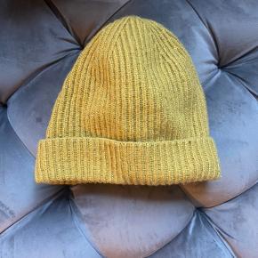 H&M hat & hue