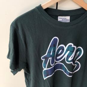 T shirt fra Baum und pferdgarten. Str L, men passes også af mindre, da modellen er oversize