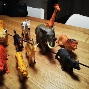 Diverse legedyr. Dele på billede medfølger.