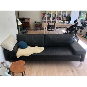 Læder sofa - brugt men stadig pæn 😍 sælges billigt da jeg har fundet en ny  Nypris 10.000