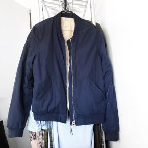 Won hundred bomber jakke i blå   størrelse: S/M   pris: 350 kr   fragt:37 kr