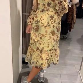 Super fin kjole, brugt 1 gang