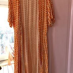 Slå om kjole fra Moss, kan afhentes på Nørrebro :)