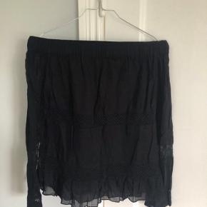 Neo Noir bluse
