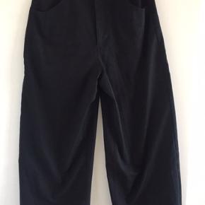 Sorte højtaljede bukser