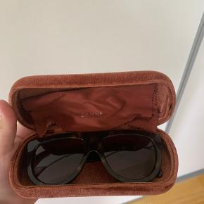 Sælger mine ganni solbriller  Byd og skriv for mere info💜