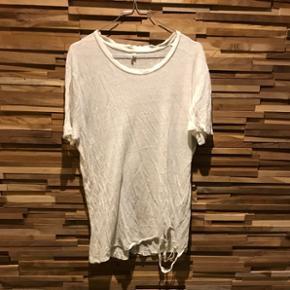 IRO t-shirt Nypris: 1000
