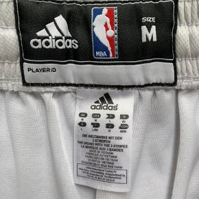 Miami Heat NBA shorts. Str. M.