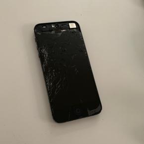 IPhone 5 Skærm meget smadret, ellers ok.  BYD.