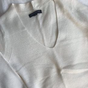Mærket er fjernet, men trøjen har aldrig været brugt.    Se mine andre annoncer - Jeg giver mængderabat ☺️🙌