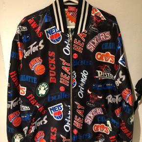 Mitchell & Ness jakke