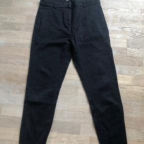 Fede bukser fra Rabens Saloner i str. L. Velholdte og i flot design.