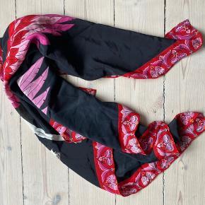 Charlotte Sparre tørklæde