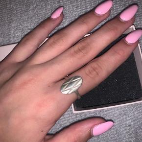 Garber ring i sølv. Er ikke helt sikker på størrelsen men tror det er 49:) Byd
