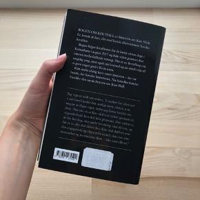 Er brugt og kan ses i ryggen af bogen, men fin stand ellers.
