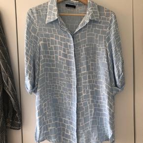 Brugt en enkelt gang - smuk skjorte (stor i str).