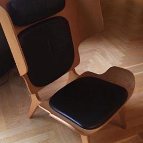 2 stk Norr11 mammoth slim leather stole sælges. Står i perfekt stand Tegnet af arkitekt Rune Krøjgaard for Norr11. 1 stk 7000 kr 2 stk 13000 kr Kan ses og hentes i Kbh K