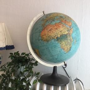 Super fin Globus med lys i 😊