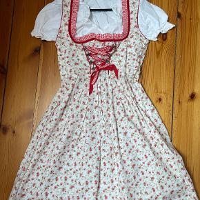 Anden kjole & nederdel