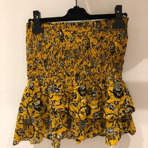 """Smuk nederdel fra Isabel Marant Den har en lille """"fejl"""" ved rynken, der ikke ses på. Se billede"""