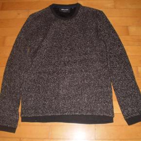 Varetype: strik NY Farve: Sortnistret Oprindelig købspris: 600 kr.  Fed strik, aldrig brugt.  Str M  65%polyester 18%bomuld 10%wool 6%polyester 1%elastane