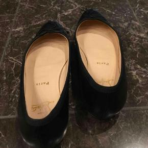 Smukkeste Christian Louboutin ballet flats ballerina sko. god stand. Uden boks.