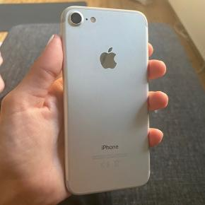 Iphone 7 aldrig brugt, 32 GB, medfølgende cover fra richmond & finch værdi 300 kr.