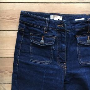 Sejeste jeans fra H&M. Cropped flare (uden at det er for meget). 70'er vibes. Byd endelig ;-)