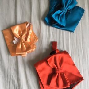 Sender ikke 3 x Butterfly med tilhørende matchende lommetørklæde.  Nypris pr stk 200,-