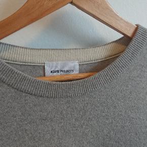 Grå trøje i ren uld. Norse projects. Original pris: 699.00DKK