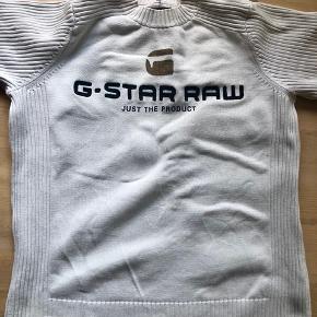Solid og varmt trøje  Pris er inkl Porto  Se også mine andre mærkevare produkter herinde :)