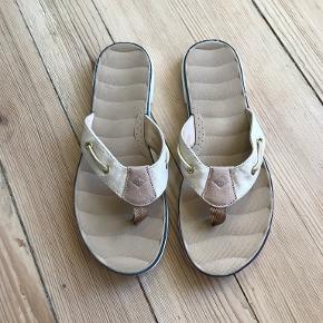 Sperry sandaler