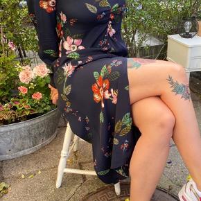 Ny kjole, kun brugt 2 gange