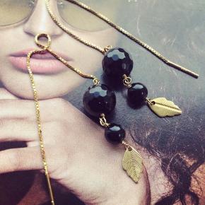 Smukke ørekæder med sorte perler - kan købes enkelt vis til 150.- hvis man kun ønsker 1 stk.