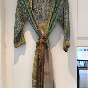 Cofur anden kjole & nederdel
