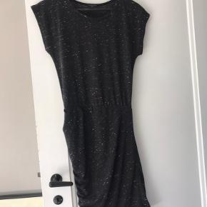 Super fin kjole, kom gerne og prøv