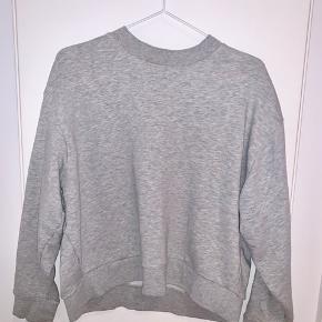 Grå weekday sweater