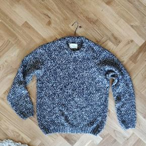 Folk Clothing - men's sweater - size 5 (large) Never used. New in stores 1200 kr.  5% alpaca, 8% viscose, 13% wool, 74% acrylic