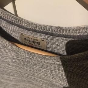 Sweater fra jack and jones størrelse medium. Passer en medium brugt minimalt. super god stand   Pris er ikke fast. anden pris kan forhandles