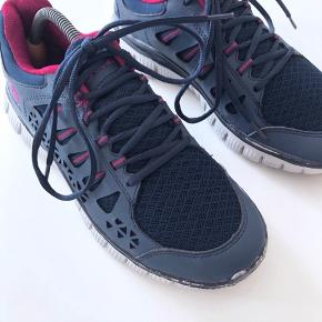 E-Light V5 Shoe W.  Mærke: Endurance.   Farve: Blå og lilla.  Se også mine andre annoncer ;)