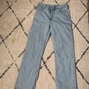 Weekday bukser, mega fede 200kr