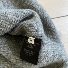 Sælger grå uld nederdel fra isabel marant. Passer str 34-36