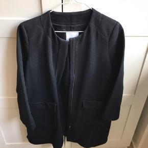 Sælger denne fine Mango jakke. Str. M.