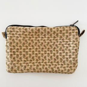 Relove and Roses clutch